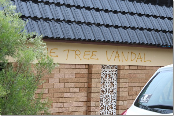 Tree Vandal  (2)